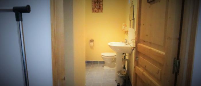 Salle de bains du studio à louer pour cure à Lamalou les Bains