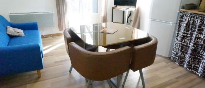 Salon et séjour des appartements à louer pour cure et vacance à Lamalou les Bains