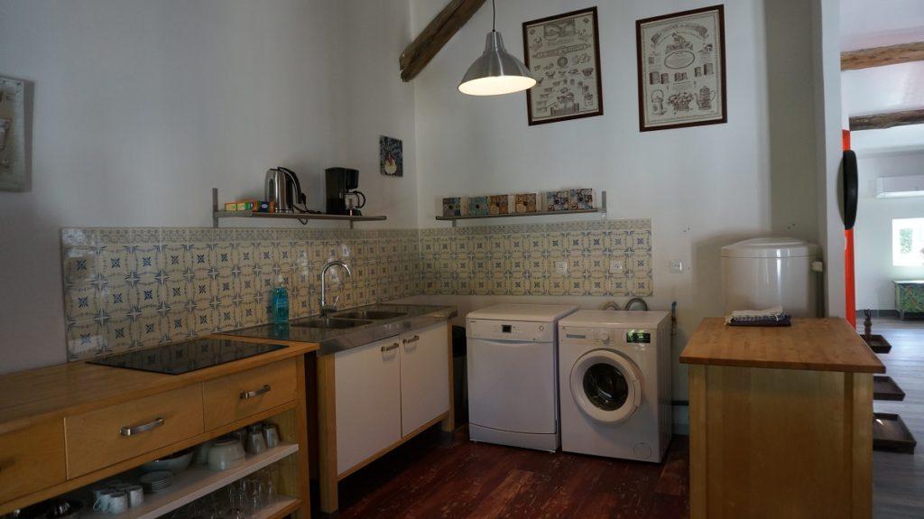 photo de la cuisine du loft à louer pour cure et vacance à Lamalou les Bains