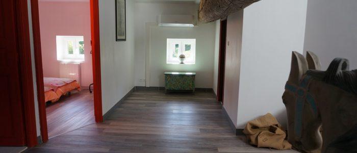 photo du couloir du loft à louer pour cure et vacance à Lamalou les Bains