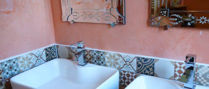 Photo de la double vasque de la salle de bain du Loft à louer pour curiste et vacancier à Lamalou les Bains