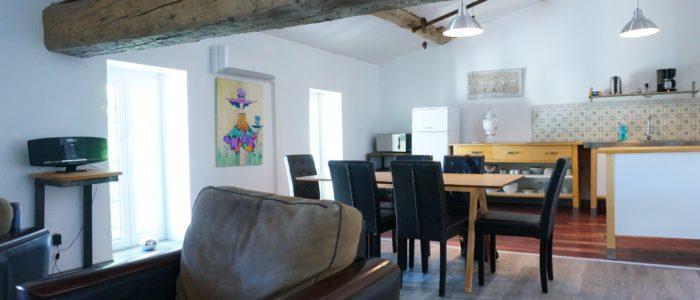 Photo de la salle à manger du Loft à louer pour curiste et vacancier à Lamalou les Bains